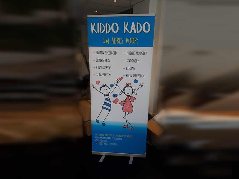 Kiddo Kinderkleding.Rolbanner 200 X 80 Cm Kiddo Kado Bamsign
